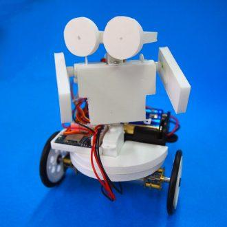 スマホ操作ロボの画像